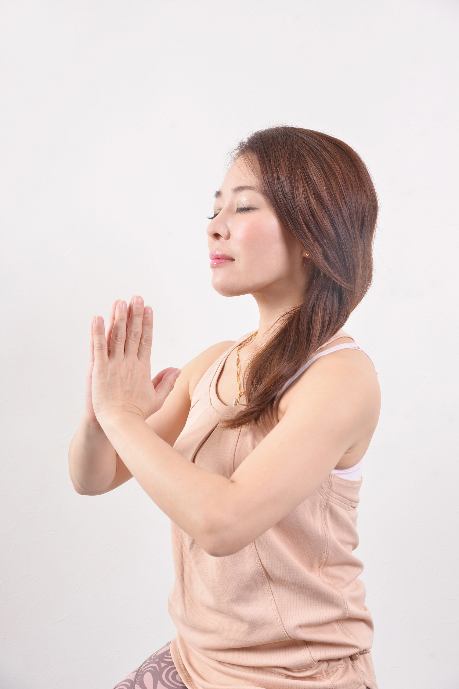 仕えなさい。愛しなさい。与えなさい。浄化しなさい。瞑想しなさい。悟りなさい。